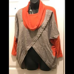 Tops - NB GRAY & PUMPKIN LNG SLV DRAPED CROP / SZ L/ XL